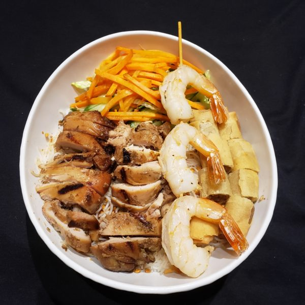 25. Vermicelli with Grilled Prawns, Grilled Lemongrass Chicken & Spring Rolls
