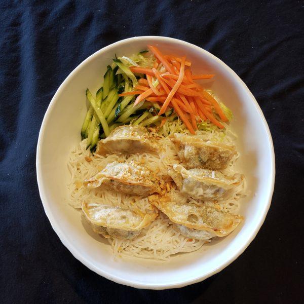 V30. Vermicelli with Vegetarian Dumplings